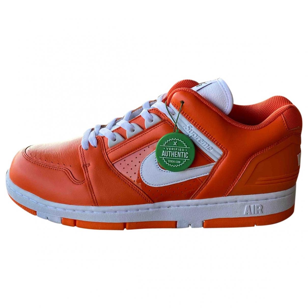 Nike X Supreme - Baskets SB Air Force 2 Low pour homme en cuir - orange