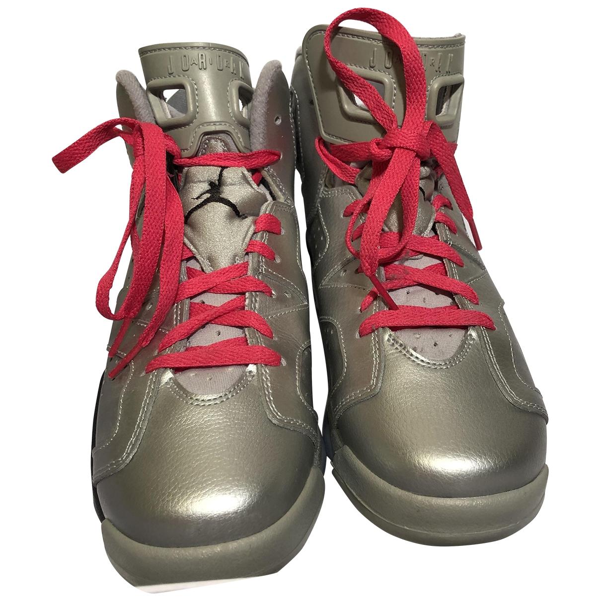 Jordan - Baskets Air Jordan 6  pour femme en cuir - argente
