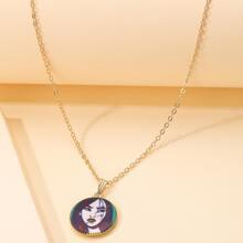 Halskette mit Figur Grafik und rundem Anhaenger
