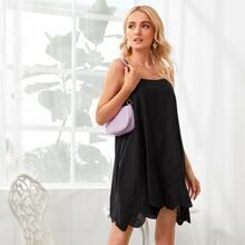 Cami Kleid mit Ose Stickereien und Bogenkante
