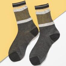 Socken mit Farbblock