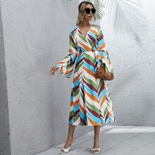 Color-block Knot Side Flounce Sleeve Dress