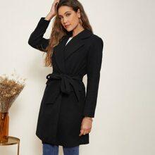 Mantel mit eingekerbtem Kragen und Selbstguertel