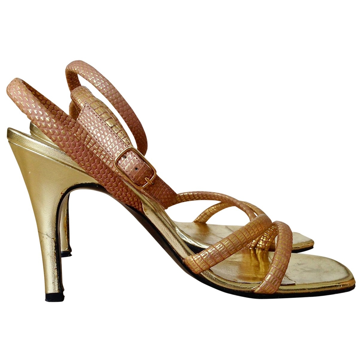 Yves Saint Laurent \N Gold Leather Sandals for Women 37.5 EU