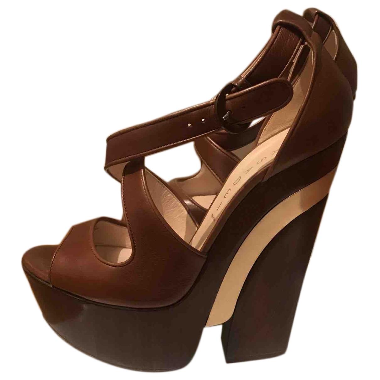 Sandalias de Cuero Casadei