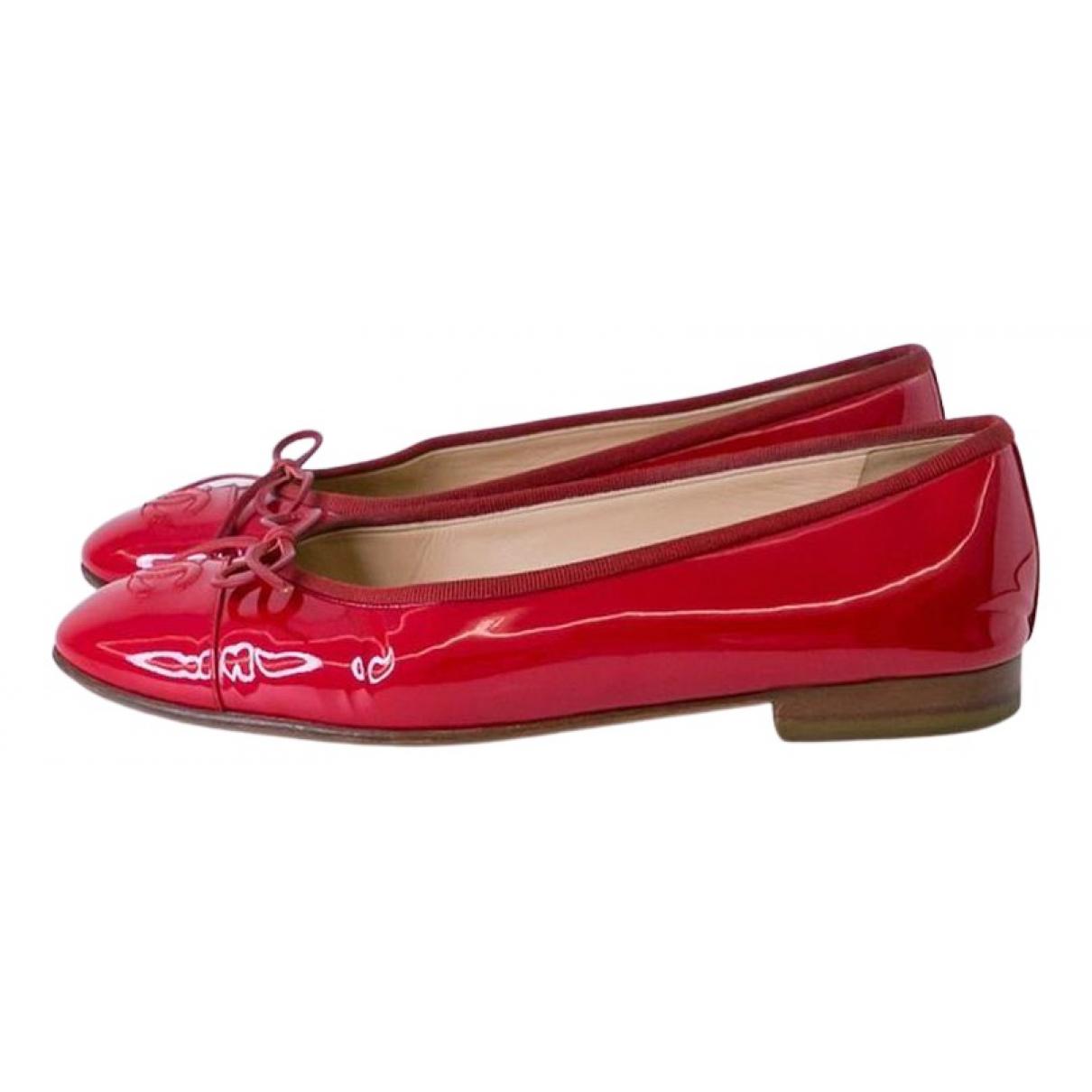 Chanel \N Ballerinas in  Rot Lackleder