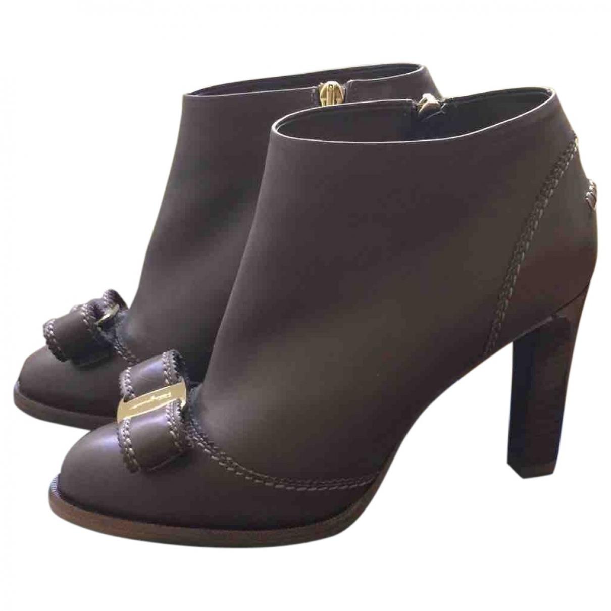 Salvatore Ferragamo - Boots   pour femme en cuir - beige