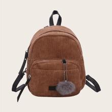 Rucksack mit Taschen vorn und Pompons