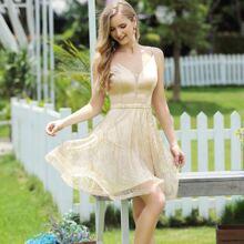 vestido de tirantes con malla brillante de saten con cremallera trasera