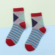 Socken mit Streifen Muster