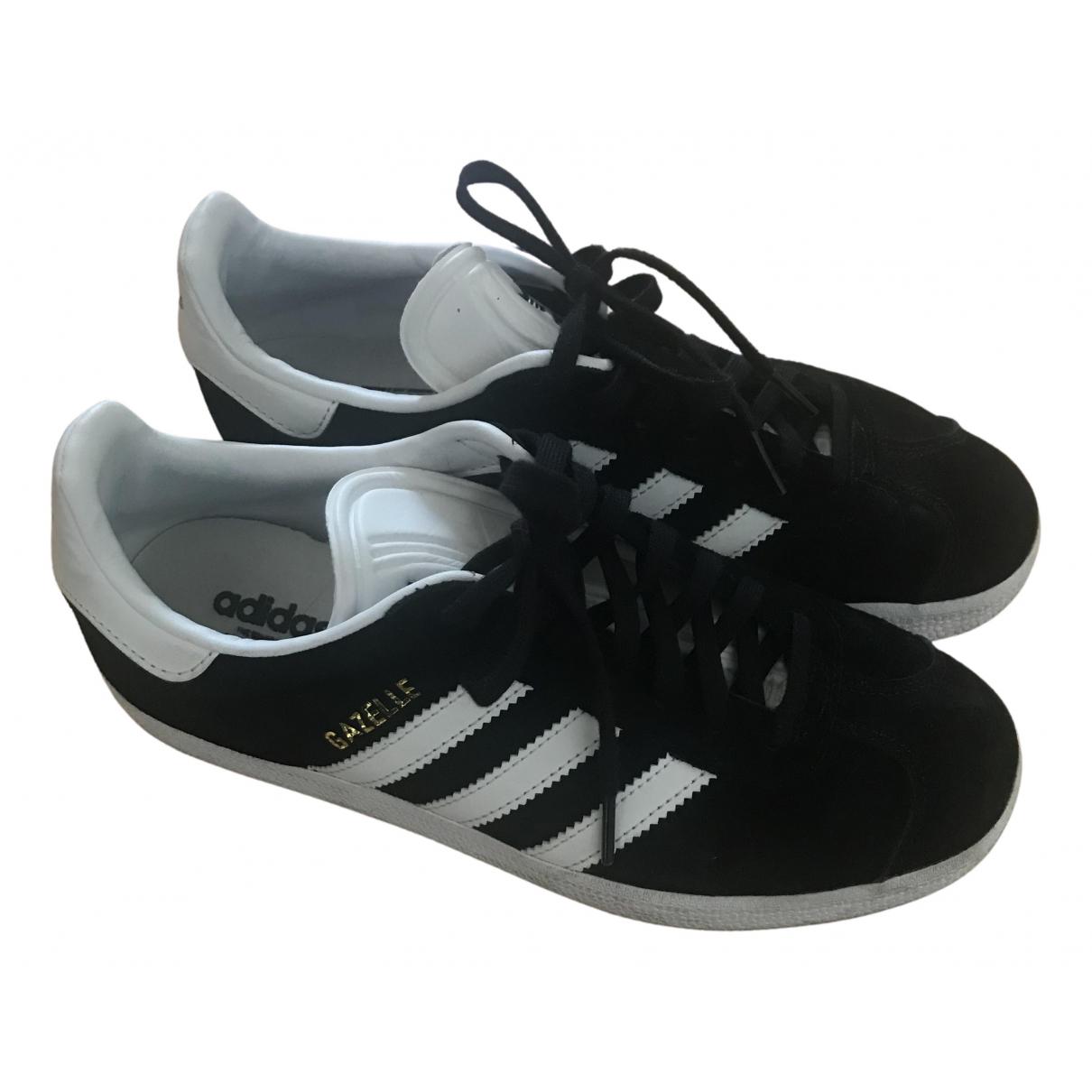 Adidas Gazelle Sneakers in  Schwarz Veloursleder