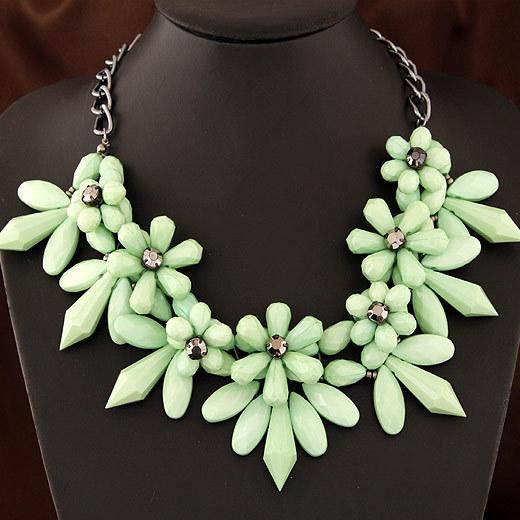 Women's Fashion Gold-Color Flower Chain Necklace