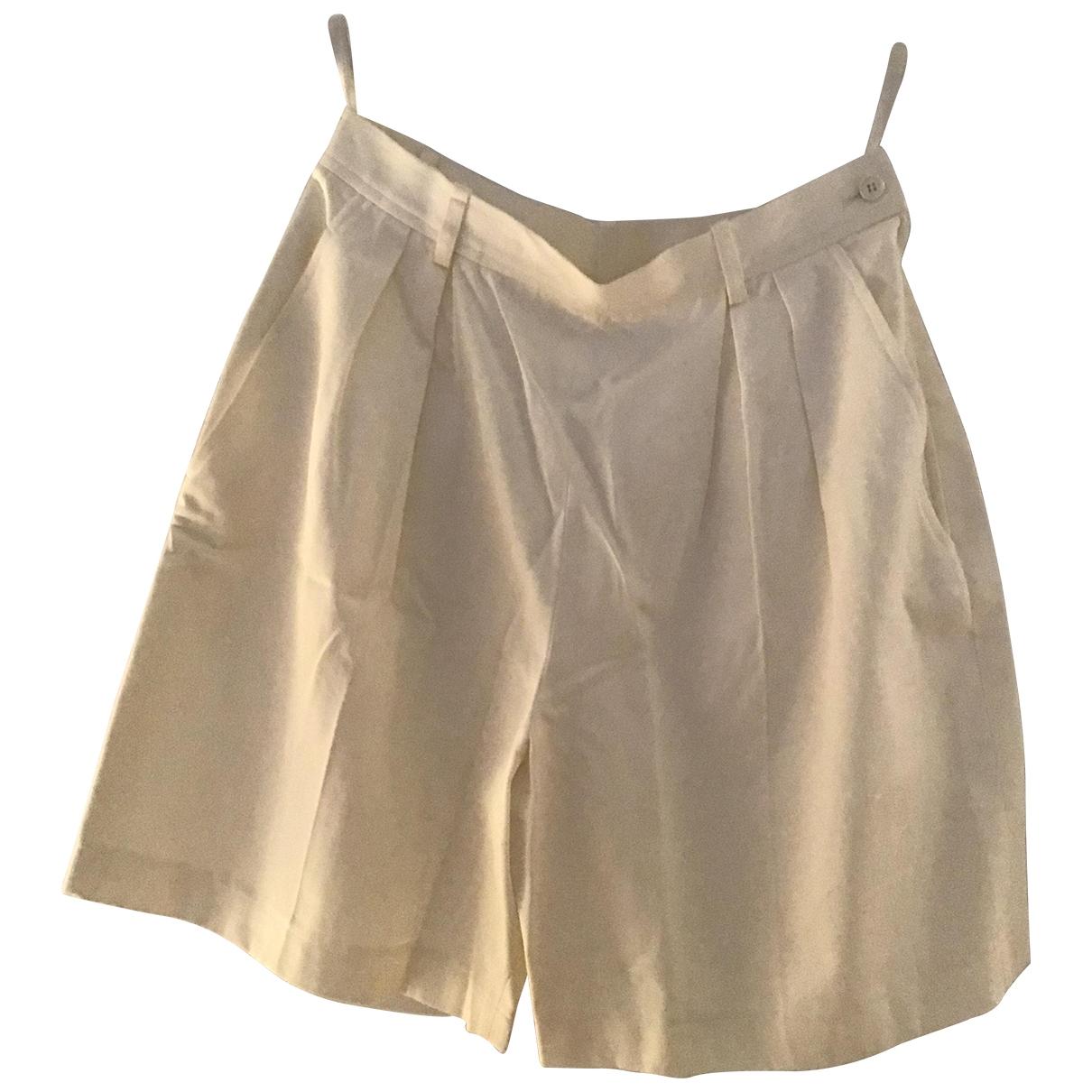 Yves Saint Laurent \N White Cotton Shorts for Women 44 FR