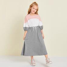 Kleid mit Kordelzug auf Taille und Farbblock