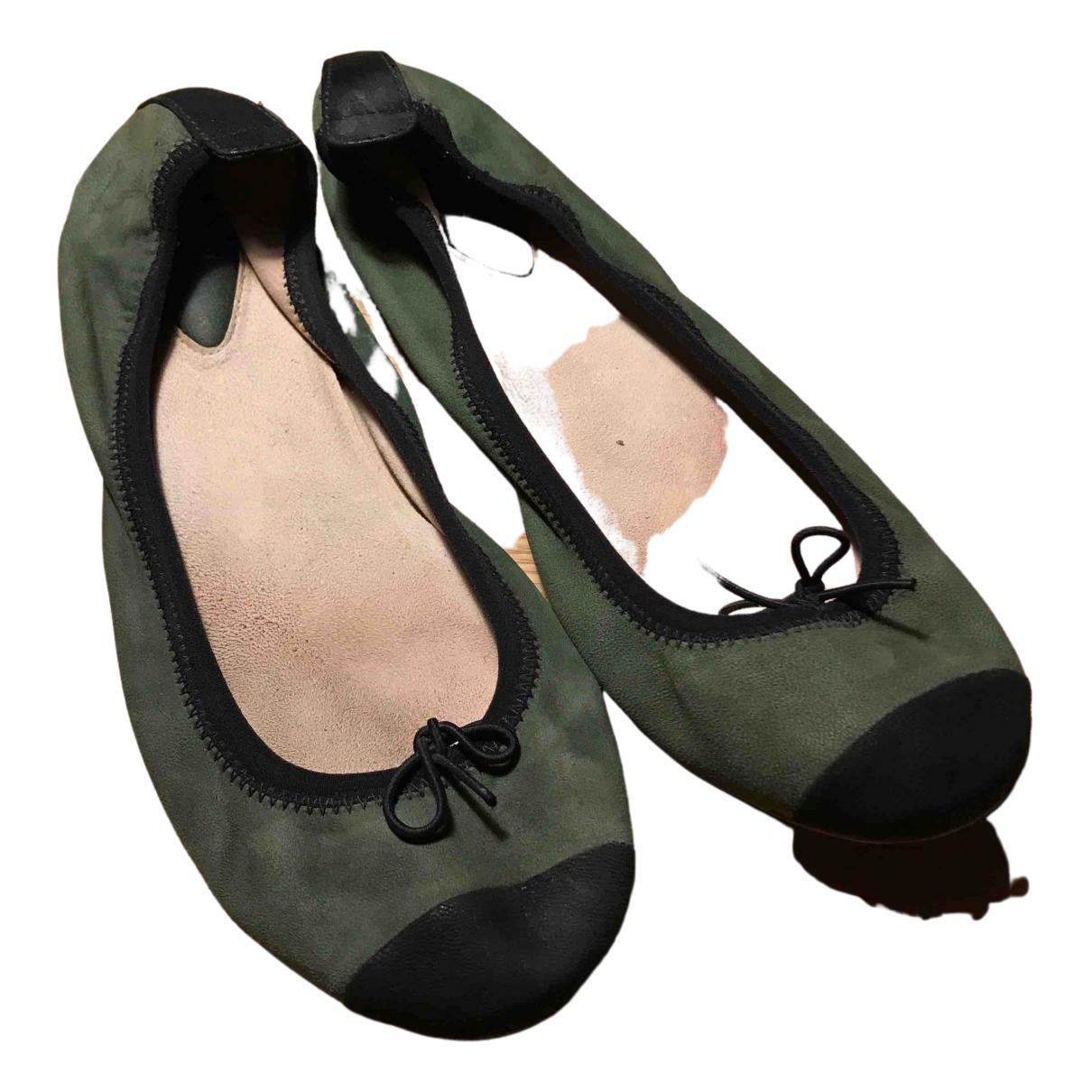 Bloch \N Ballerinas in  Gruen Leder