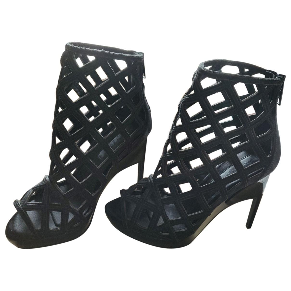 Burberry \N Black Suede Sandals for Women 35.5 EU