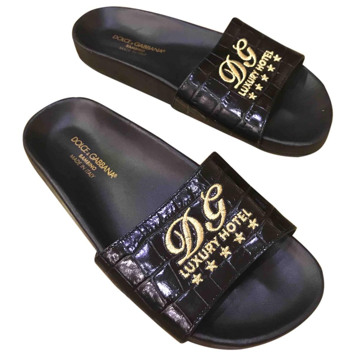 Dolce & Gabbana \N Black Patent leather Sandals for Kids 32 EU
