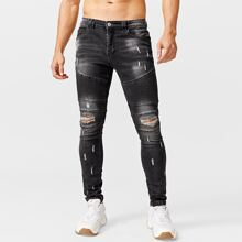 Jeans mit Riss und Falten