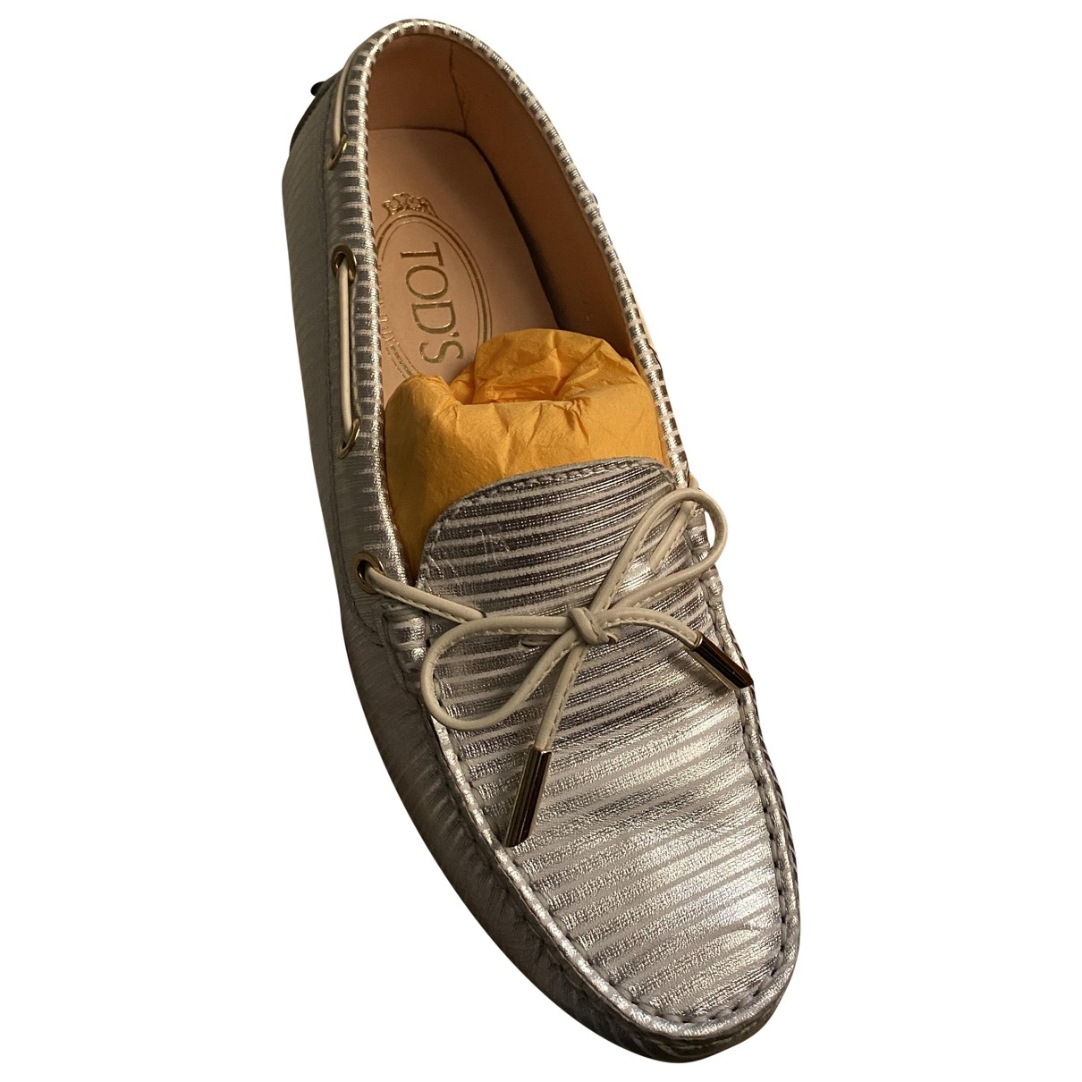 Tod's Gommino Silver Leather Flats for Women 37.5 EU