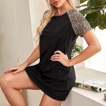 T-Shirt Kleid mit Leopard Muster und Raglan Ärmeln