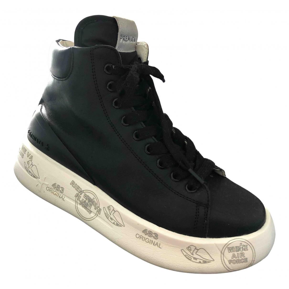 Premiata \N Sneakers in  Schwarz Leder