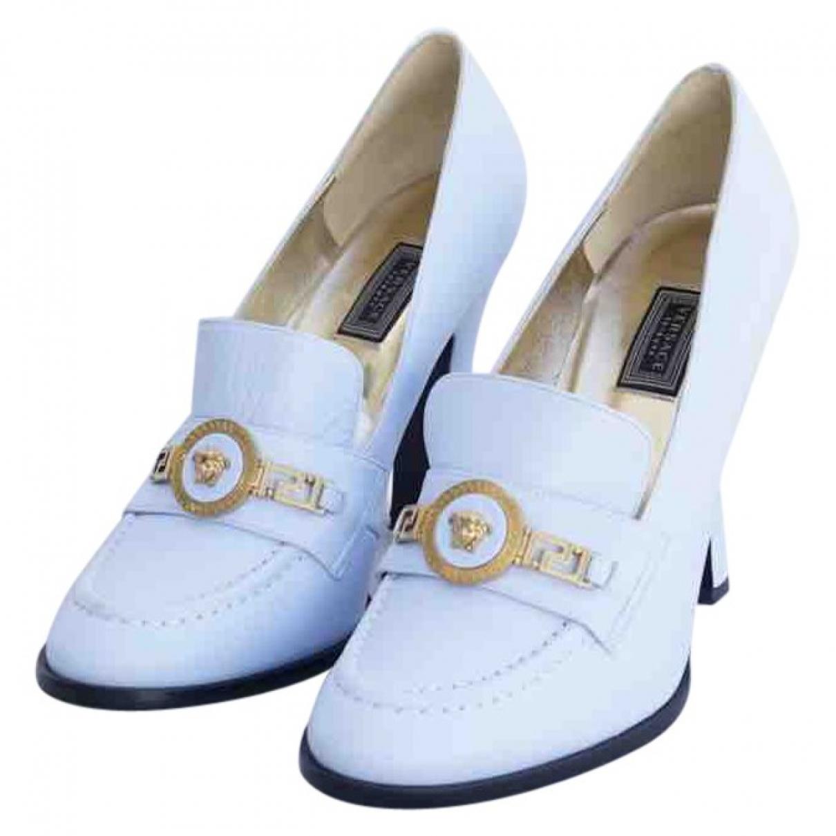 Versace \N Leather Flats for Women 39 EU