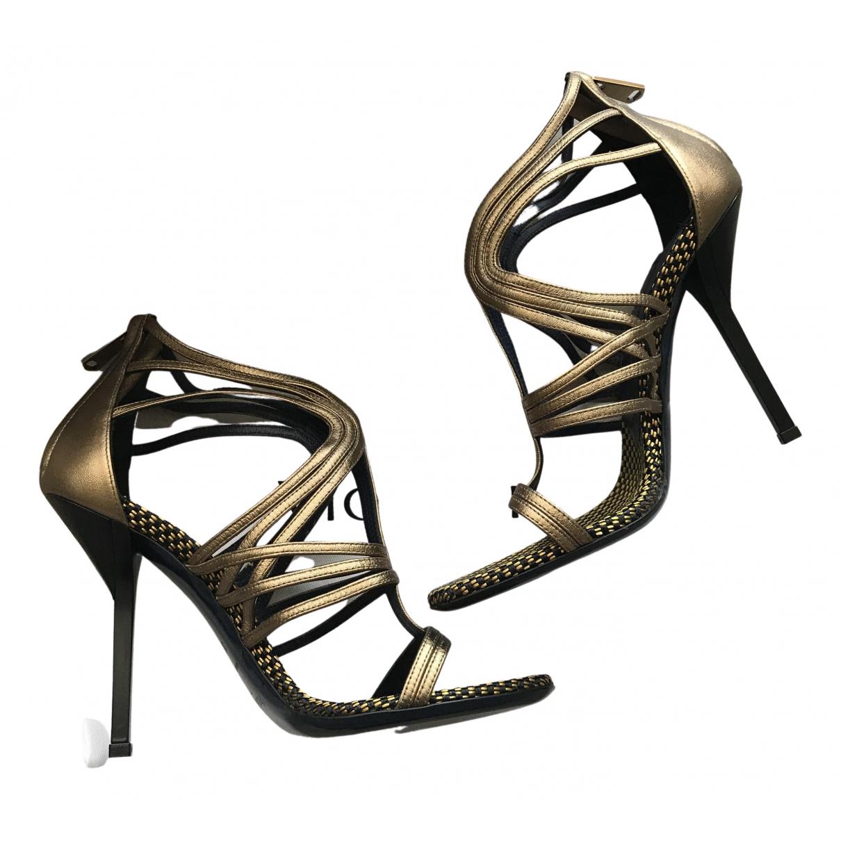 Vionnet \N Sandalen in  Gold Leder