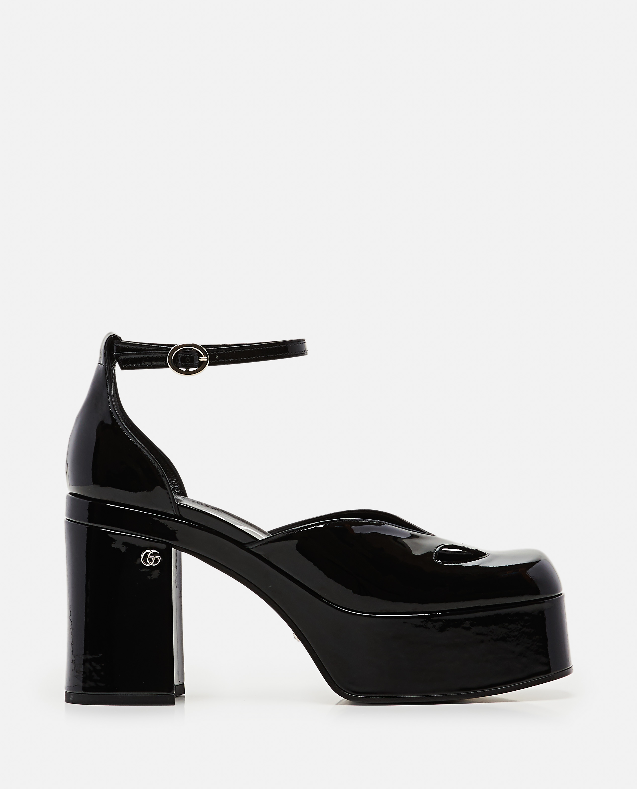 Woman decollete with platform and ankle strap