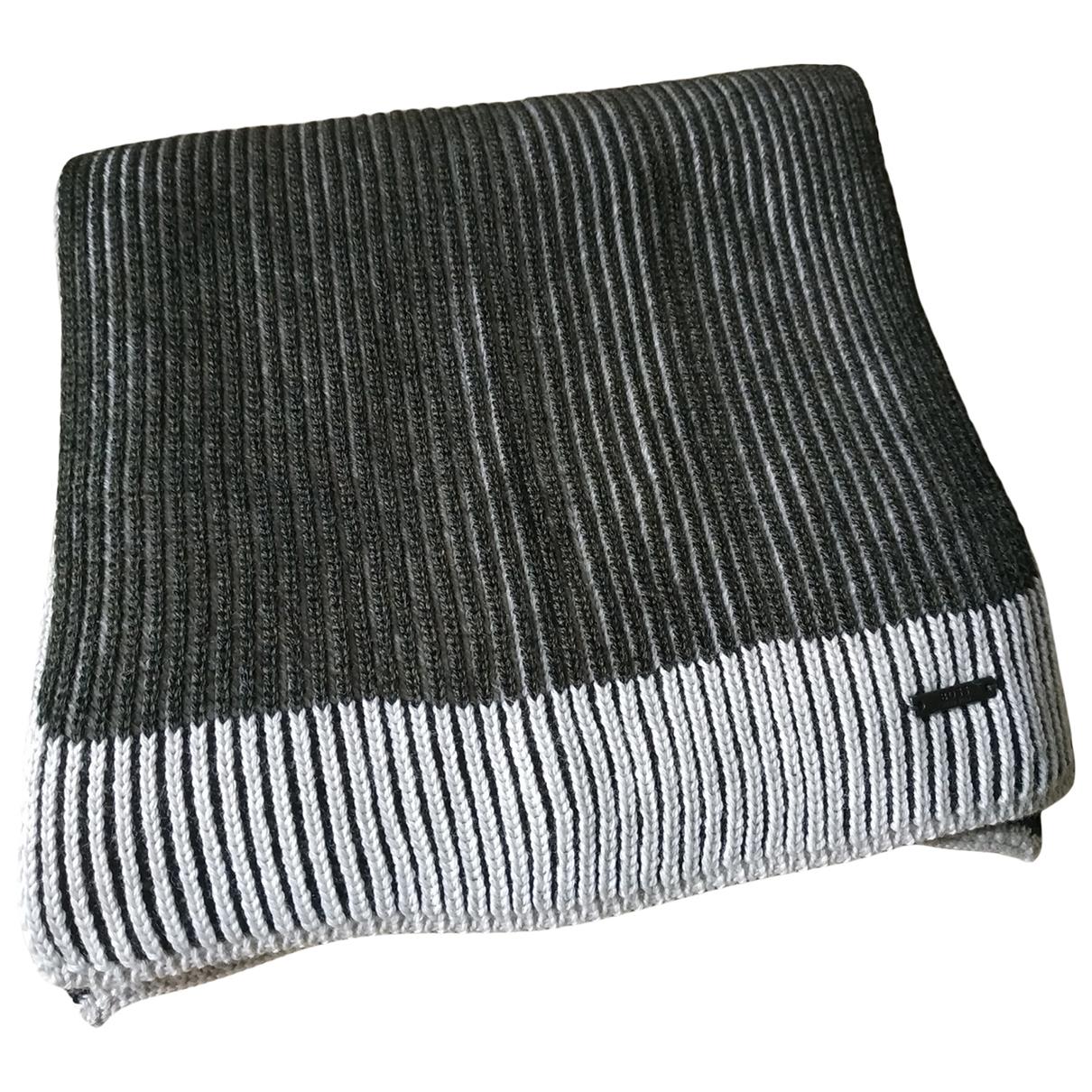 Pañuelo / bufanda de Lana Boss