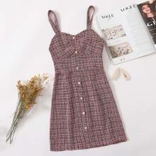 Tweed Kleid mit Perlen und Knopfen vorn