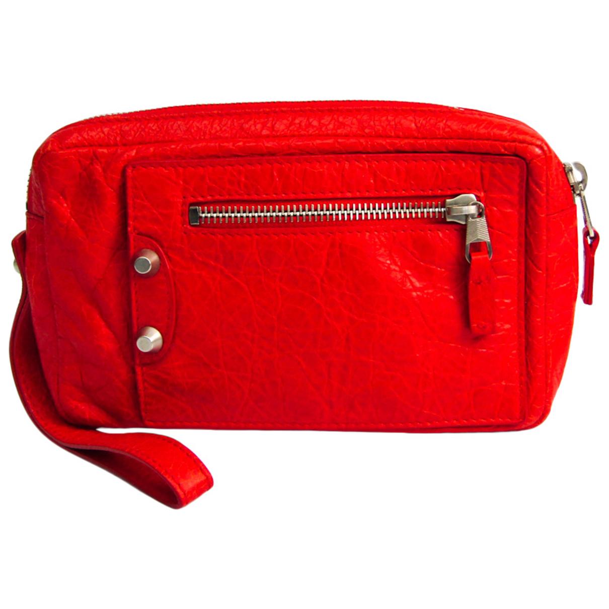 Balenciaga \N Clutch in  Rot Leder