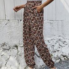 Jogginghose mit schraegen Taschen und Leopard Muster