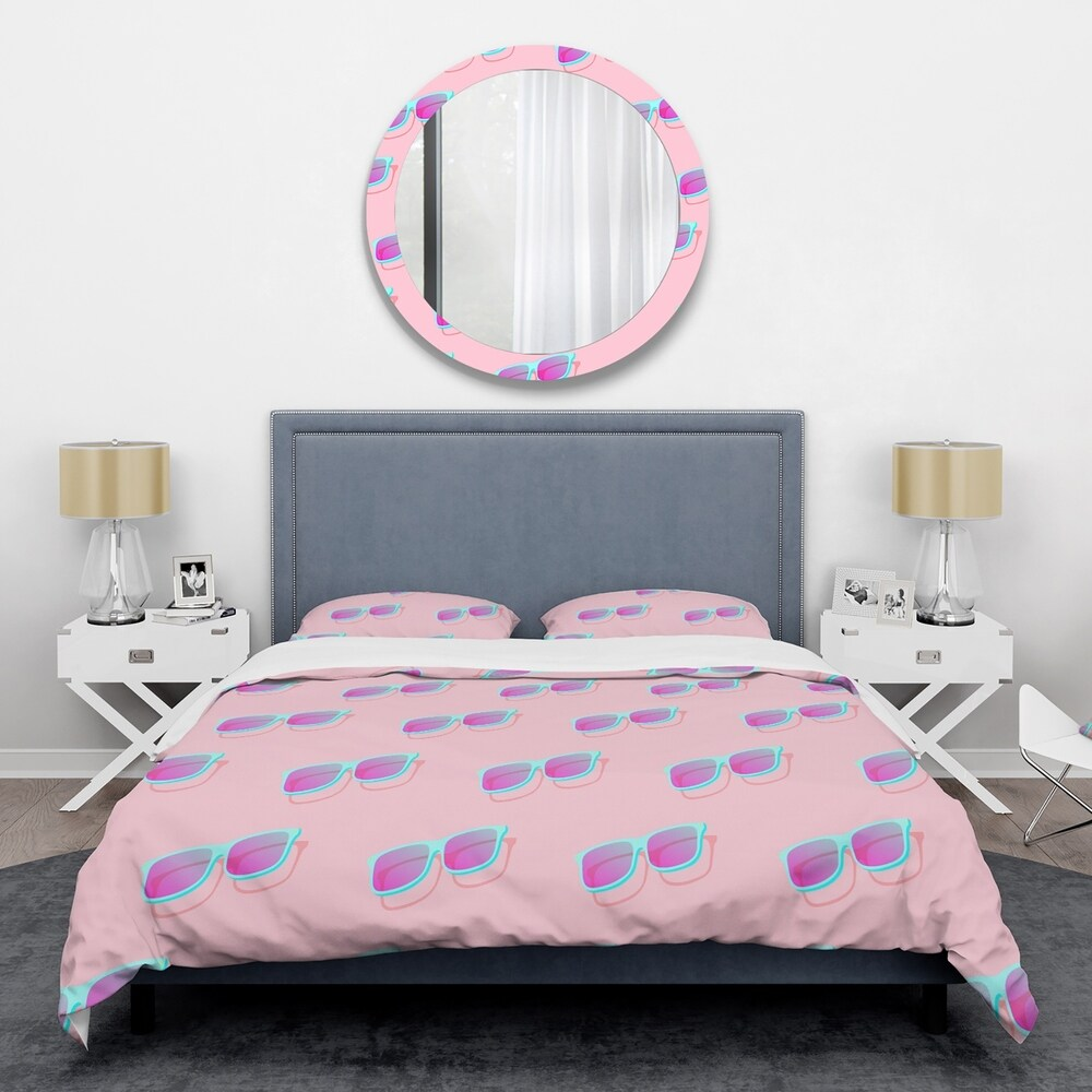 Designart 'Pink Abstract Retro Pattern I' Mid-Century Duvet Cover Set (King Cover + 2 king Shams (comforter not included))