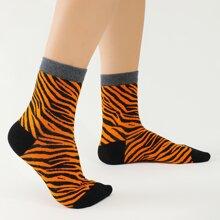 Socken mit Tiger Streifen Muster
