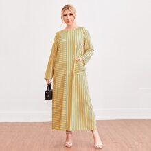 Kleid mit Taschen Flicken und Streifen