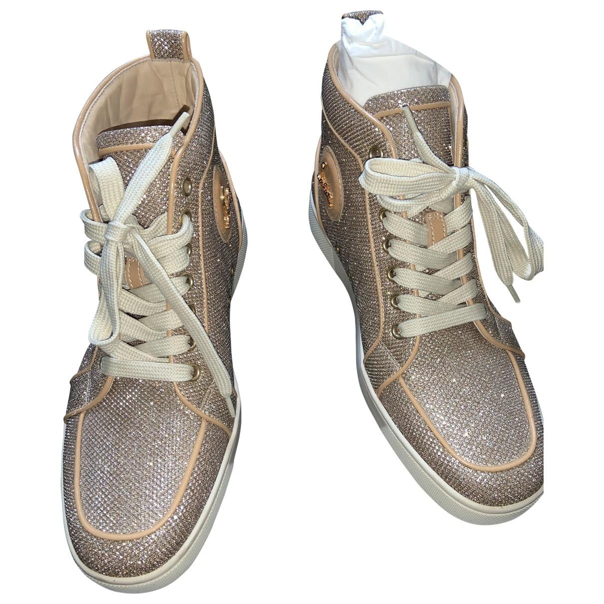 Christian Louboutin Louis Sneakers in  Beige Mit Pailletten