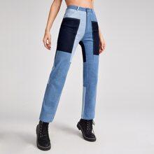 Jeans mit Farbblock und geradem Beinschnitt