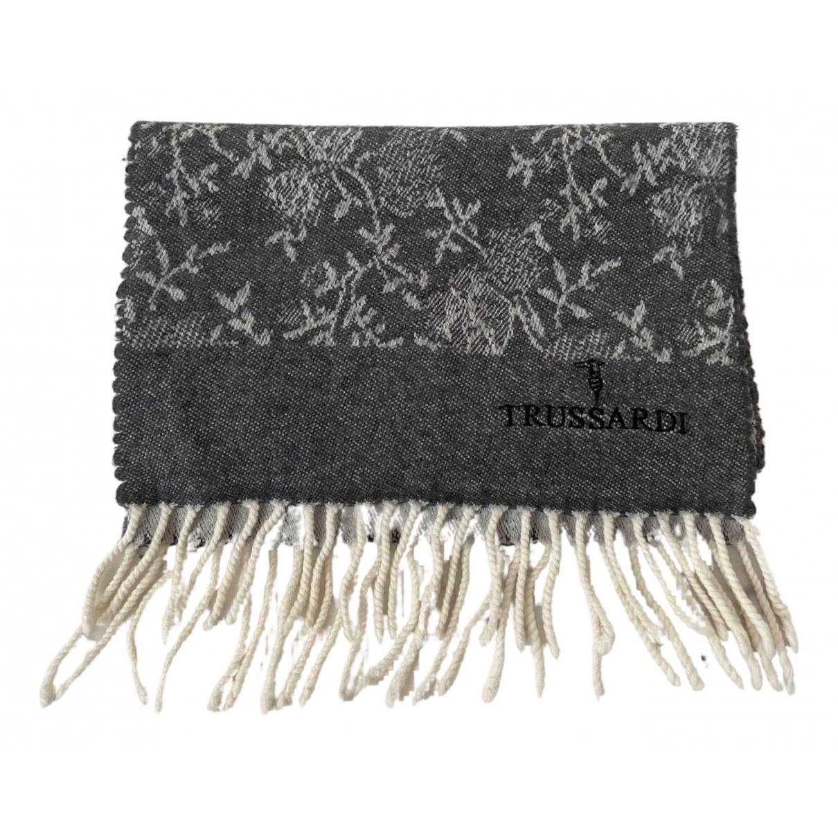 Trussardi \N Schal in  Grau Wolle