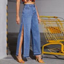 Jeans mit ungesaeumtem Saum, Schlitz und breitem Beinschnitt