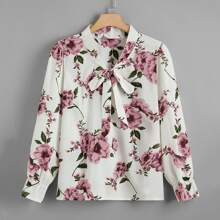 Bluse mit Blumen Muster und Halsband