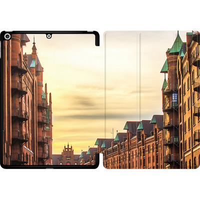 Apple iPad 9.7 (2018) Tablet Smart Case - Speicherstadt von caseable Designs