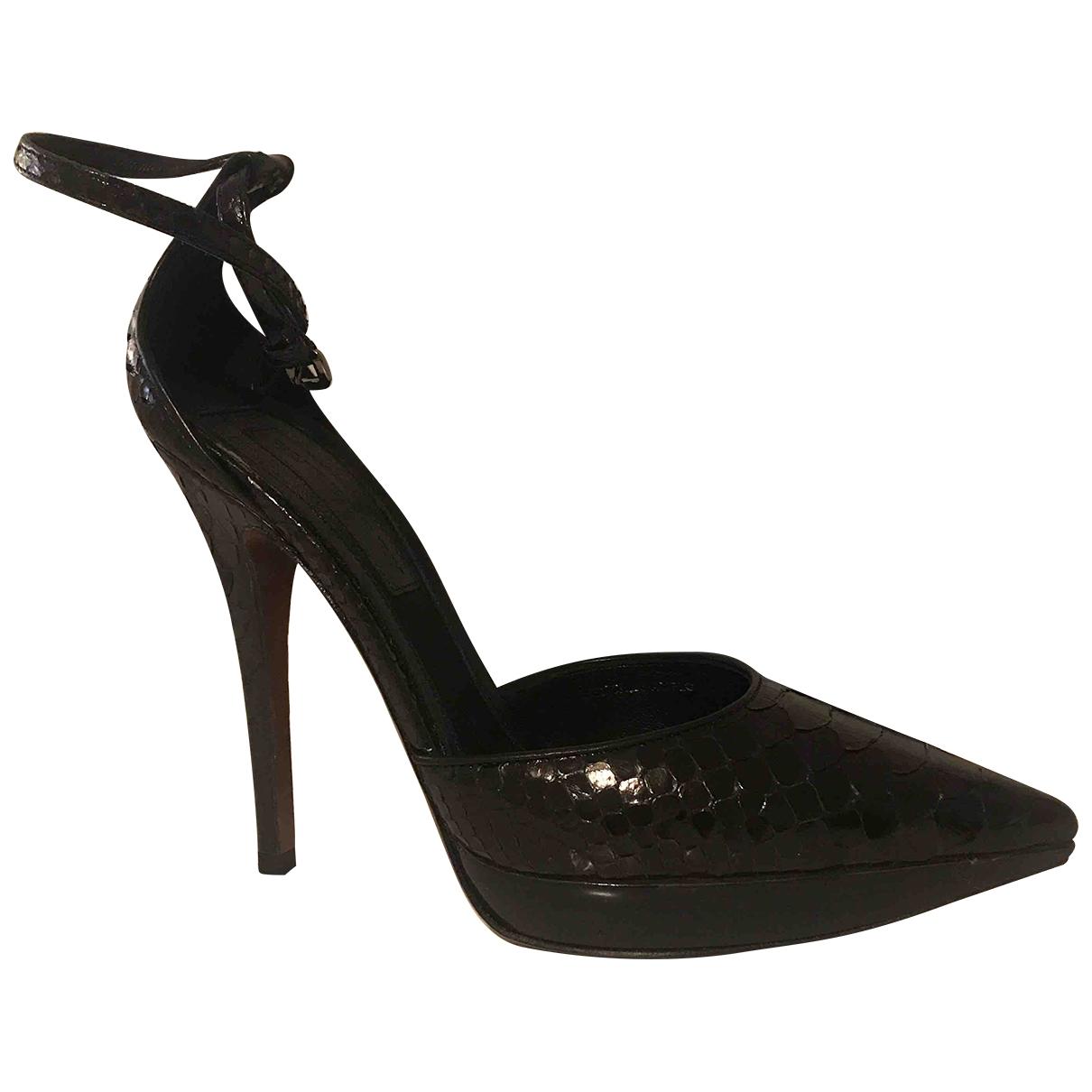 Burberry \N Black Leather Heels for Women 39 EU