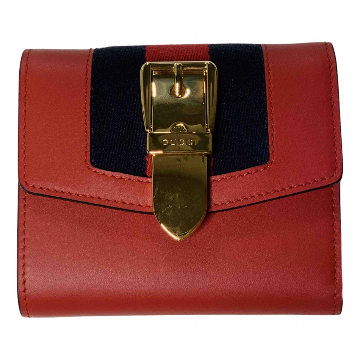 Gucci Sylvie Kleinlederwaren in  Rot Leder