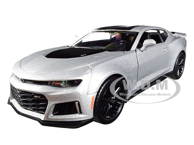 2017 Chevrolet Camaro ZL1 Silver with Black Stripe 1/24 Diecast Model Car by Motormax