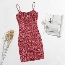 Kleid mit Band vorn, Ruesche und Bluemchen Muster