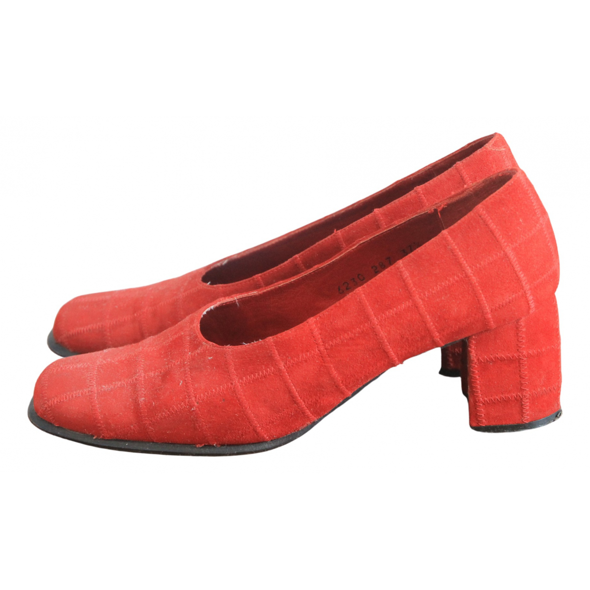 Non Signe / Unsigned \N Pumps in  Rot Veloursleder
