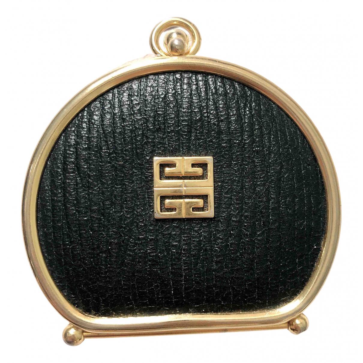 Givenchy \N Portemonnaie in  Gruen Leder