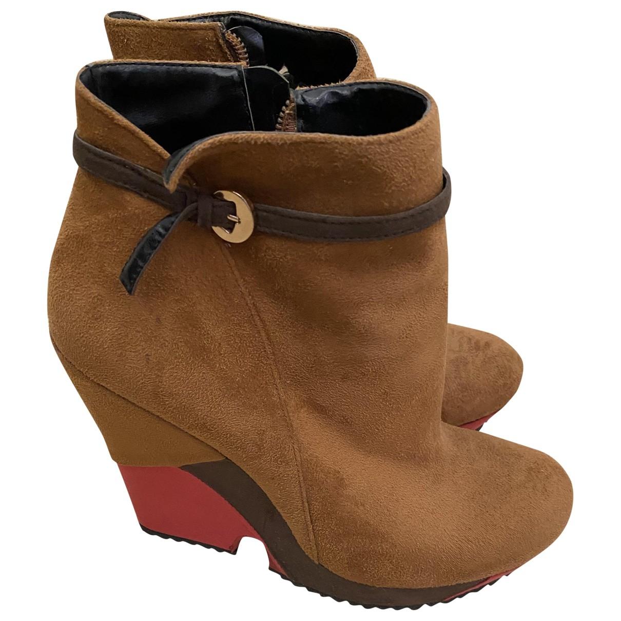 Moschino Love - Boots   pour femme en suede - camel
