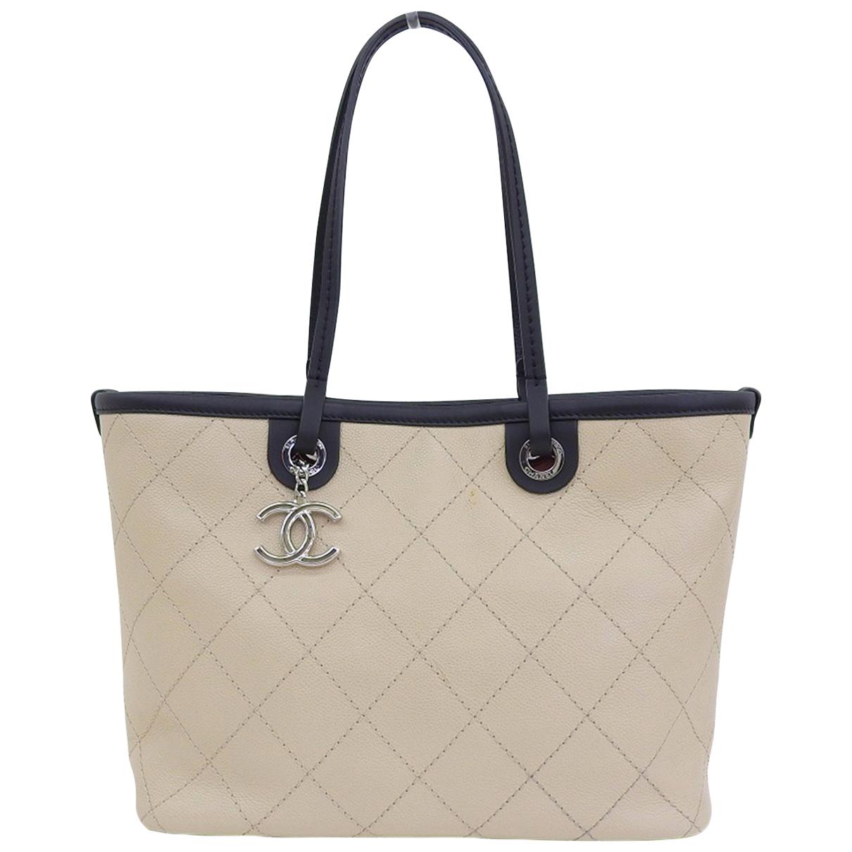 Chanel \N Handtasche in  Ecru Leder