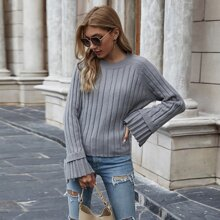 Einfarbiger Pullover mit Schlitz und Schosschenaermeln